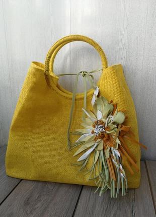 Пляжная сумочка из органической рафии и кожи. с кольцами