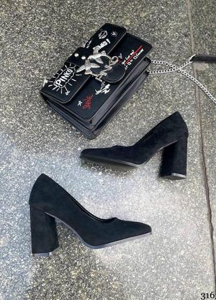 Туфли женские на устойчивом каблуке 🖤