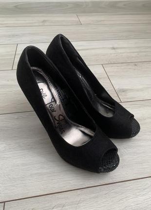 Черные/туфли/босоножки/на высоком каблуку/классные/летние/удобные