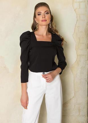Блуза со съемными рюшами по рукавам