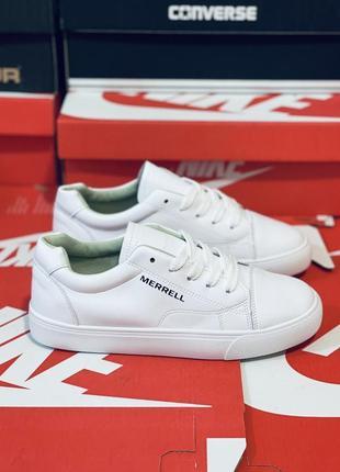 Кеды белые. много обуви!!!