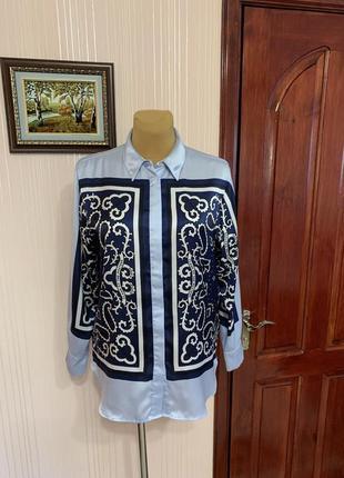 Брендовая рубашка в трендовом платочном стиле