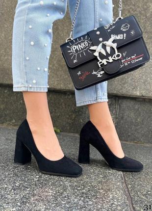 Туфли на широком каблуке чёрные замша
