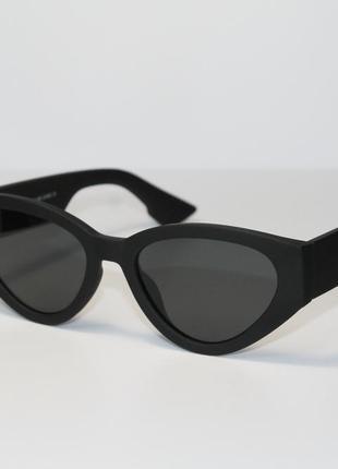 Тренд 2021 года! женские солнцезащитные очки в широкой пластиковой оправе.