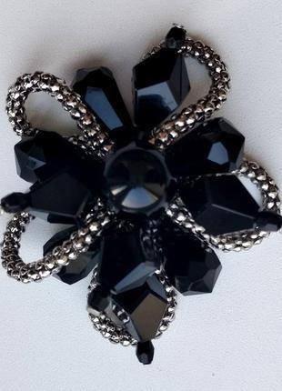Красивая брошь брошка черная 5x5cм