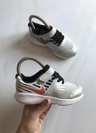 Оригінальні дитячі кросівки nike