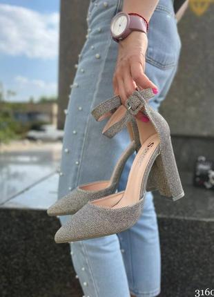 Туфли на удобном каблуке1 фото