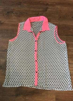 Яркая летняя блуза в горошек