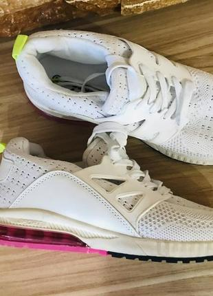 Новые белые кроссовки р 41 (26.5)