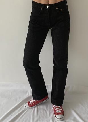 Черные прямые джинсы levis 501