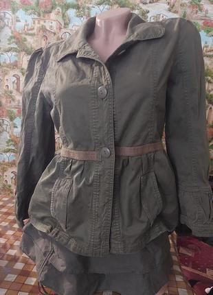 Пиджак юбка хаки фирменный