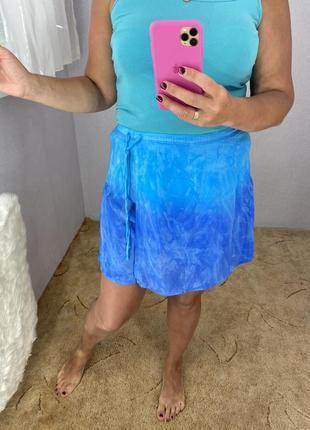 Яркие пляжные шорты юбка
