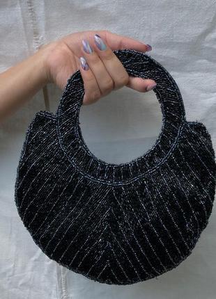 Чорна сумка з бісеру