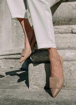 Элегантные туфли лодочки на низьком ходу basconi