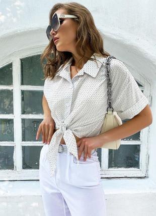 Стильная кежуал рубашка для летнего сезона в белом цвете