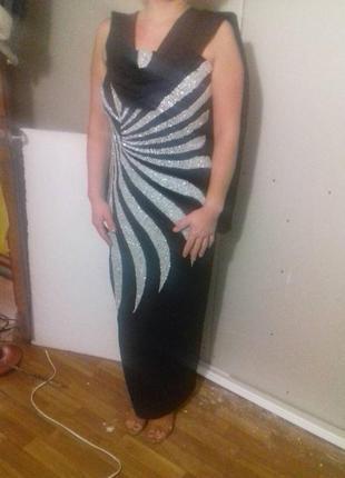Елегантное вечернее платье