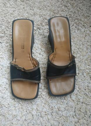 Шлепанцы кожаные с квадратным носком 37,5 38р