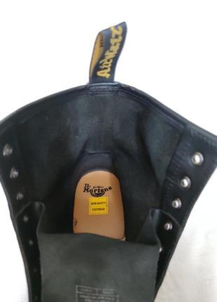 Топовые кожаные ботинки dr. martens 10108.8 фото