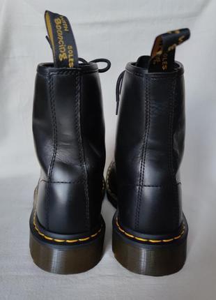 Топовые кожаные ботинки dr. martens 10108.5 фото