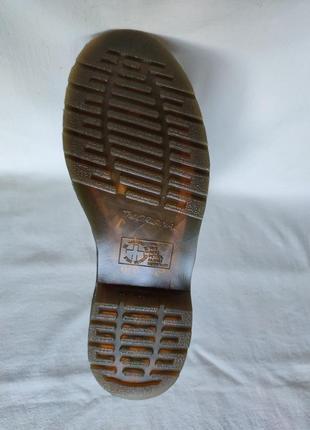 Топовые кожаные ботинки dr. martens 10108.10 фото