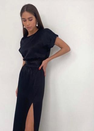 Костюм юбка с разрезом и топ на завязках