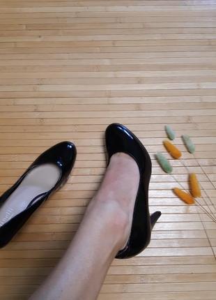Туфлі minelli з натуральної лакованої шкіри