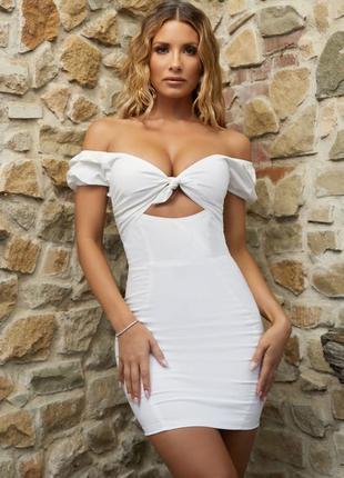 Белое хлопковое котоновое мини платье рукав фонарик бюстье по фигуре oh polly
