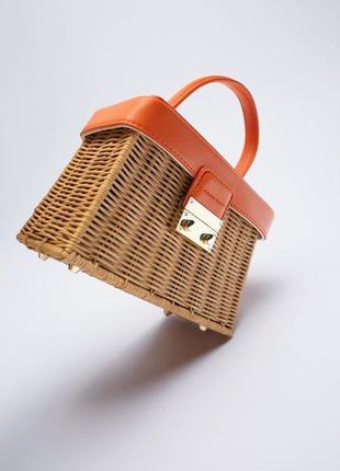 Крутая плетеная сумка zara