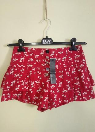 Красные шорты-юбка с цветочным принтом atmosphere