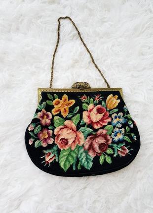 Маленькая сумочка,клатч с вышивкой