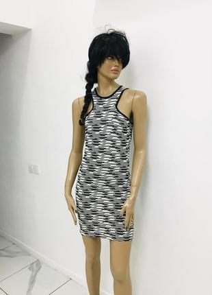Прекрасное платье в полоску по фигуре от zara trafaluc размер с 1+1=3 на всё 🎁