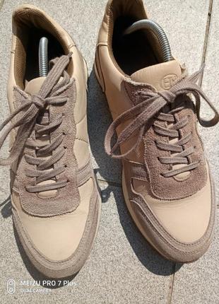 Качественные, комфортные кроссовки натуральная кожа hn 40 разм5 фото