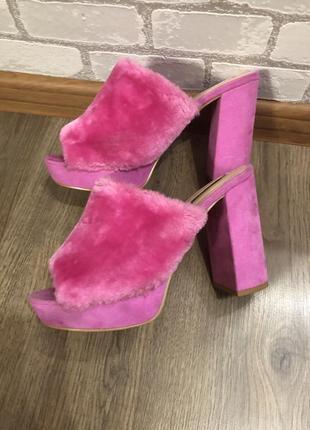 Шлёпки на каблуке, туфельки