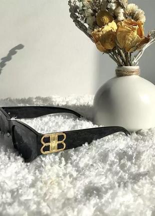 Трендовые пластиковые очки10 фото