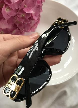 Трендовые пластиковые очки3 фото