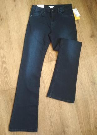 Классные стрейчевые джинсы h&m р. 38/8, внизу расклешенные. замеры на фото
