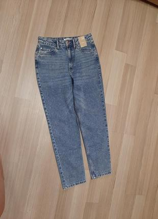 Стильные джинсы мом mom