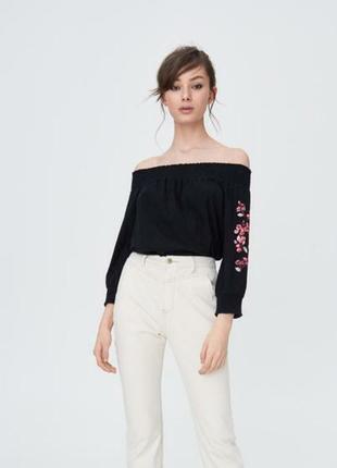 Шикарная хлопковая блуза с приспущенными плечами