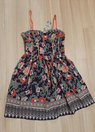 Яркое летнее платье сарафан