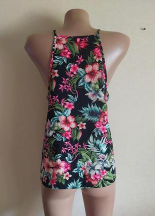 Майка яркая разноцветная легкая летняя в цветах черная розовая красивая блуза футболка