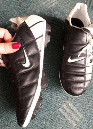 Бутсы шиповки для футбола