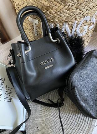 Маленькая сумочка с косметичкой внутри1 фото