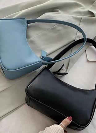 Трендовая стильная нежно голубая сумка багет