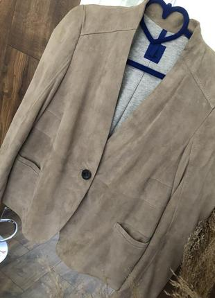 Бежевый пиджак ,жакет на подкладке joop