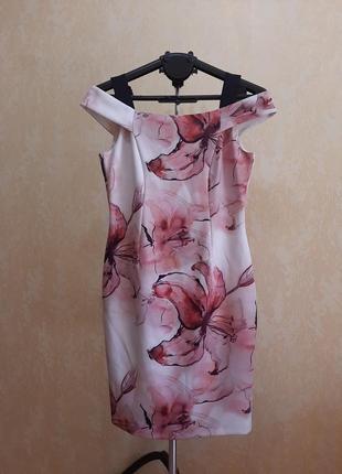 Приталенное платье 14 размер