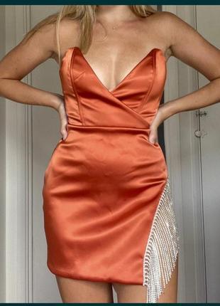 Сатмновое платье oh polly с камнями висюльками