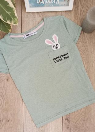 Базовый оливковый топ футболка