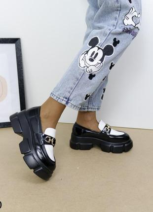 Шикарные туфли кожаные на высокой платформе, женские туфли на массивной подошве, хитовые туфли на тракторной подошве6 фото