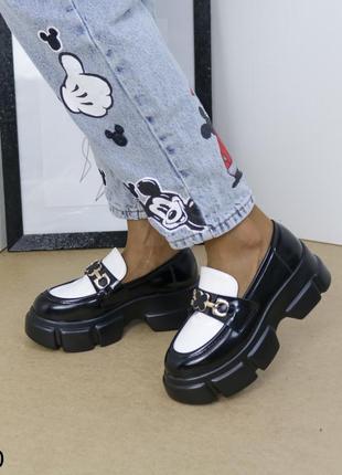 Шикарные туфли кожаные на высокой платформе, женские туфли на массивной подошве, хитовые туфли на тракторной подошве1 фото
