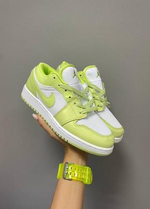 Nike air jordan retro 1 low «limelight»